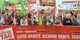 Teilnehmer/innen der 1.Mai-Kundgebung 2013