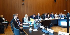 Die Vertreterinnen und Vertreter der Gewerkschaften, des DGB und des dbb während des Beteiligungsgesprächs am 29. Mai 2019 im BMI.